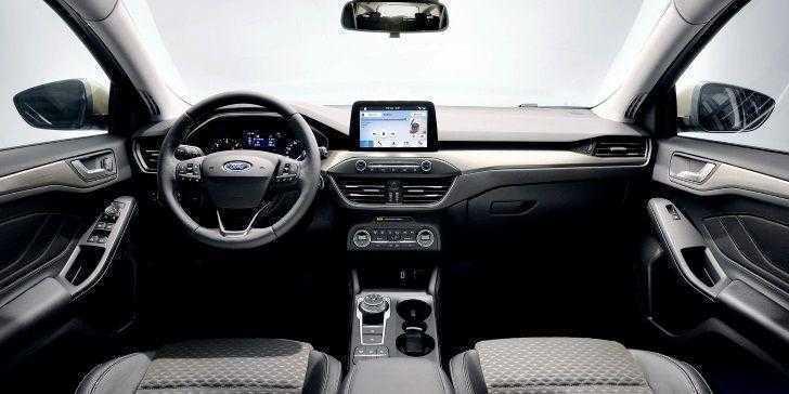 2018 Ford Focus Konsol