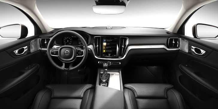 2019 Volvo Yeni V60 Konsol Bölgesi