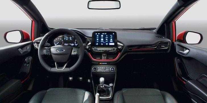 Yeni Ford Fiesta Red ve Black Versiyonları Tanıtıldı