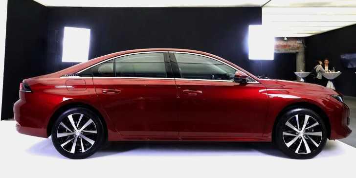 2019 Peugeot 508 L Uzun Aks Mesafesiyle Tanıtıldı